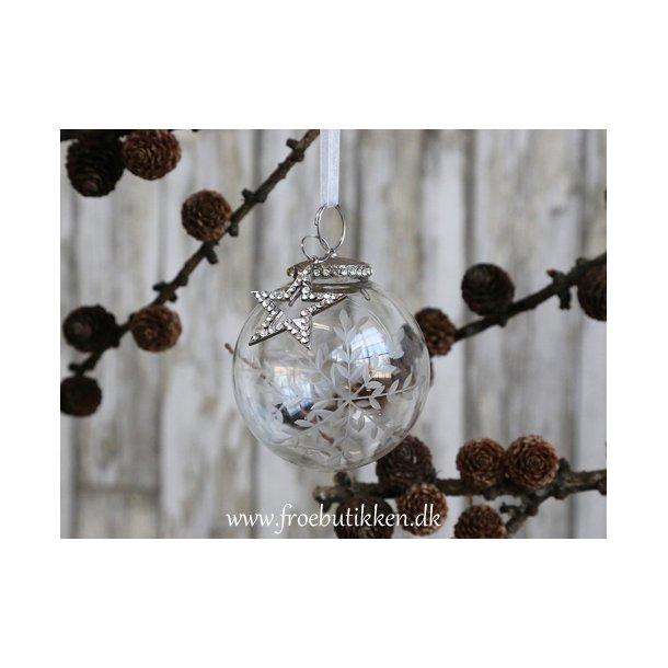Julekugle. Mundblæst glas og simili vedhæng